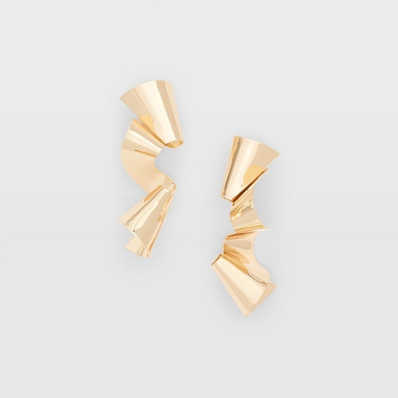 Club Monaco Jewelry - Club Monaco gold ribbon earrings